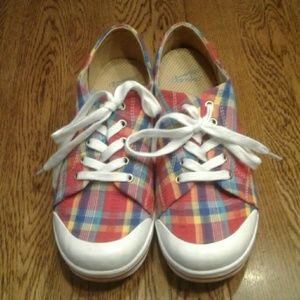 Woman's Dansko sneakers 41 $ 30.00 # 587